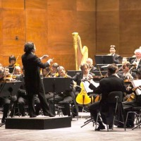 Gustavo Dudamel in front of Berliner Philharmoniker in Firenze new Operahouse. foto: Pietro Paolini