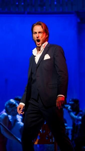Stilig og vellsyngende Björn Bürger som Don Giovanni. Foto: Jörg Wiesner