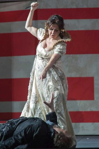 Tosca killing Scarpia,second act. Foto Festivalo Pucciniano