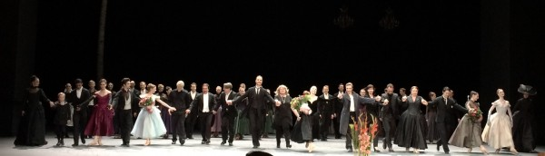 Anna Karenina Applaus foto, Soloists, Ballett Ensemble and all the staff led by Christian Spuck. Håvard Gimse, Ingebrjørg Kosmo, and conductor Paul Connelly. Foto Tomas Bagackas