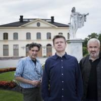 Antoine Fontaine, Ivan Alexandre och Marc Minkowski framför Drottningholms Slottsteater. Premiere