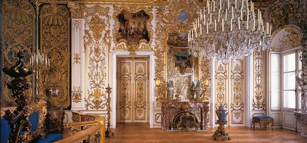 King Ludwig II of Bavarias sleeping room in Hohenschwangau. Photo: Bavaria Castle departments homepage