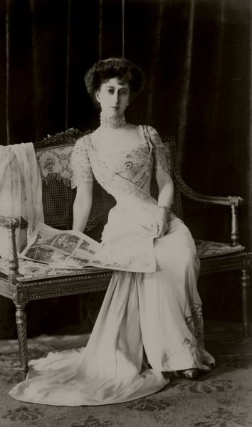 """Dronning Maud var en ivrig fotograf, og etterlot seg 44 album med egne og andres bilder. De er utgangspunktet for fotoinstallasjonen """"Dronning Mauds Fotoalbum"""" som vises i Dronning Sonja KunstStall.  Foto: Karl Anderson, 1909, De kongelige samlinger"""