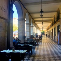 Archades, Independence Square, Gerona, where we enjoyed the most delicious Tapas. Foto Henning Høholt