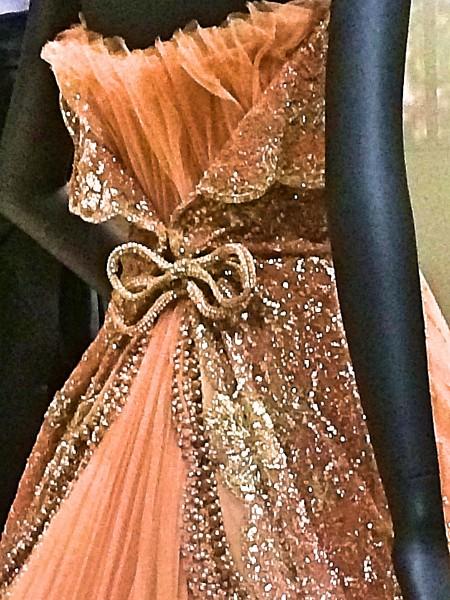 Rosa evening dress - detail. Foto Henning Høholt