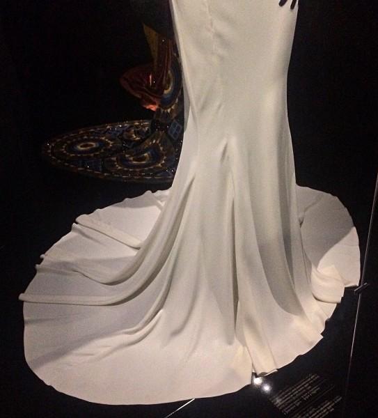 White evening dress, lover part of the skirt. Fotos: Henning Høholt dior,