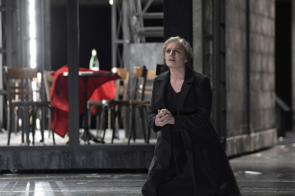 Clementine Margaine is outstanding in the role as Fides, the mother of Jean de Leyde. Extraordinary. Photo. Deutsche Oper, Berlin.