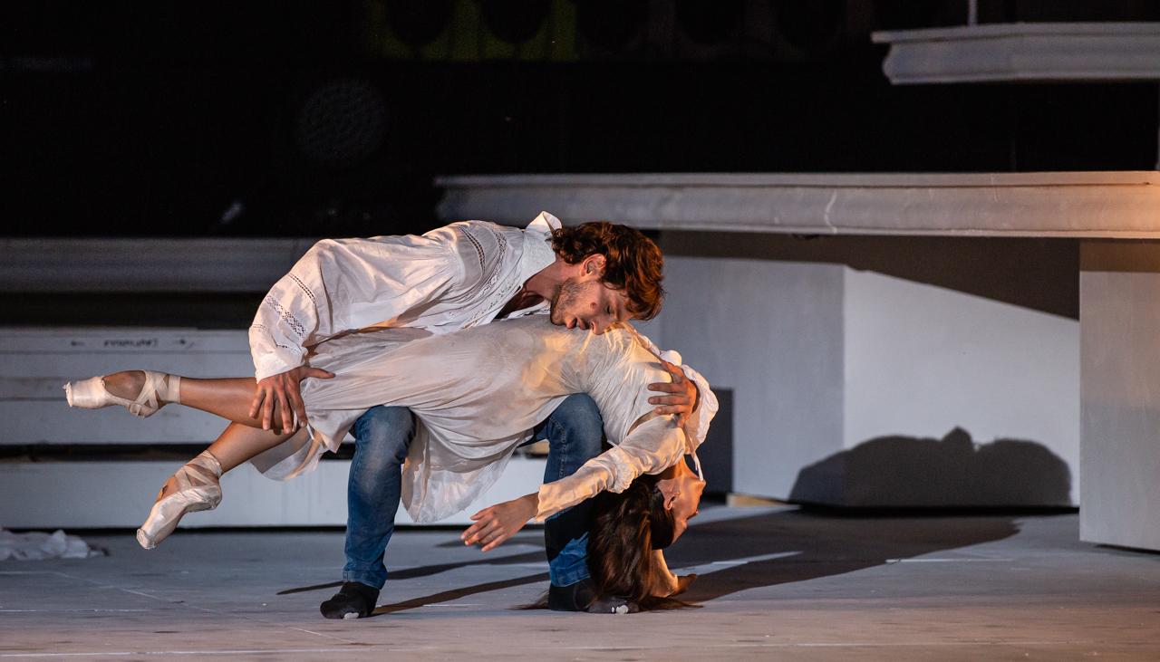 Salvi-Cocino in Romeo e Giulietta di Giuliano Peparini ® Yasuko Kageyama WEB (4)
